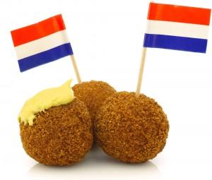 Bitterballen met mosterd en nederlandse vlaggen - newlyfeds
